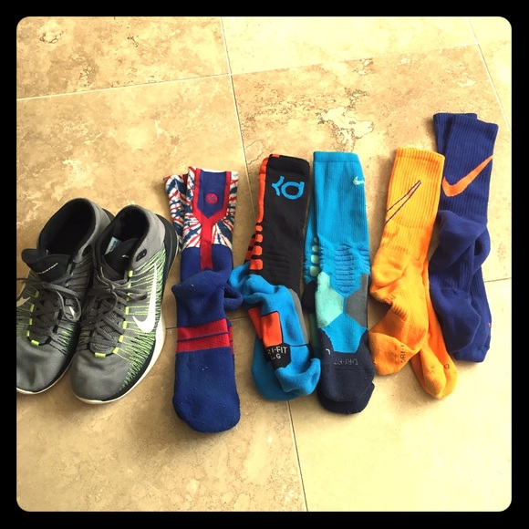 164816f593caca Nike Basketball shoes + 5 pairs of socks. M 5a68b4dda44dbe3d44821ad0